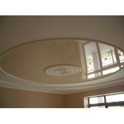 Натяжной потолок c круглым вырезом