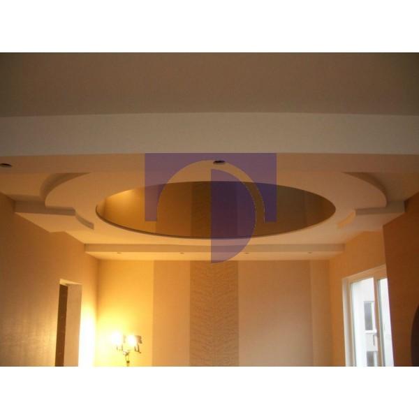 Натяжной потолок лаковый цветной