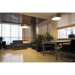 Натяжной потолок в комнате с колонной